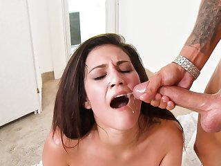 Big weasel words plows a hottie and gives her a sticky facial