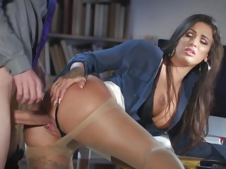 Milf gets laid at the office with the original guy